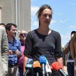 Solidarietà per Carola Rackete senza reggiseno in procura