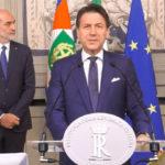 Conte accetta l'incarico con riserva da Mattarella