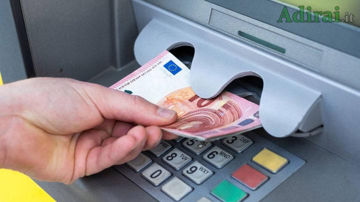 pagamenti elettronici tassa prelievi bancomat contanti