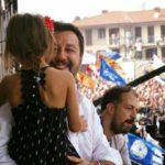 Salvini a Pontida strumentalizza bimba di Bibbiano per propaganda