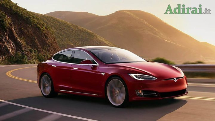 autoveicolo elettrico tesla auto elettrica