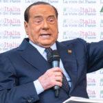 Forza Italia Berlusconi contro Renzi e governo PD 5 Stelle
