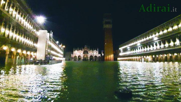 acqua alta venezia allagata