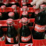 Coca cola va in Albania, colpa di Plastic Tax e Sugar Tax