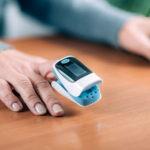 Saturimetro o pulsossimetro: A cosa serve, come si usa, valori normali e prezzo